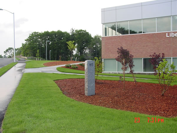 Commercial landscaping photos commercial lawn maintenance for Commercial landscape maintenance